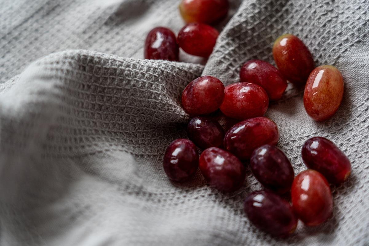 aceite de semilla de uva contorno de ojos