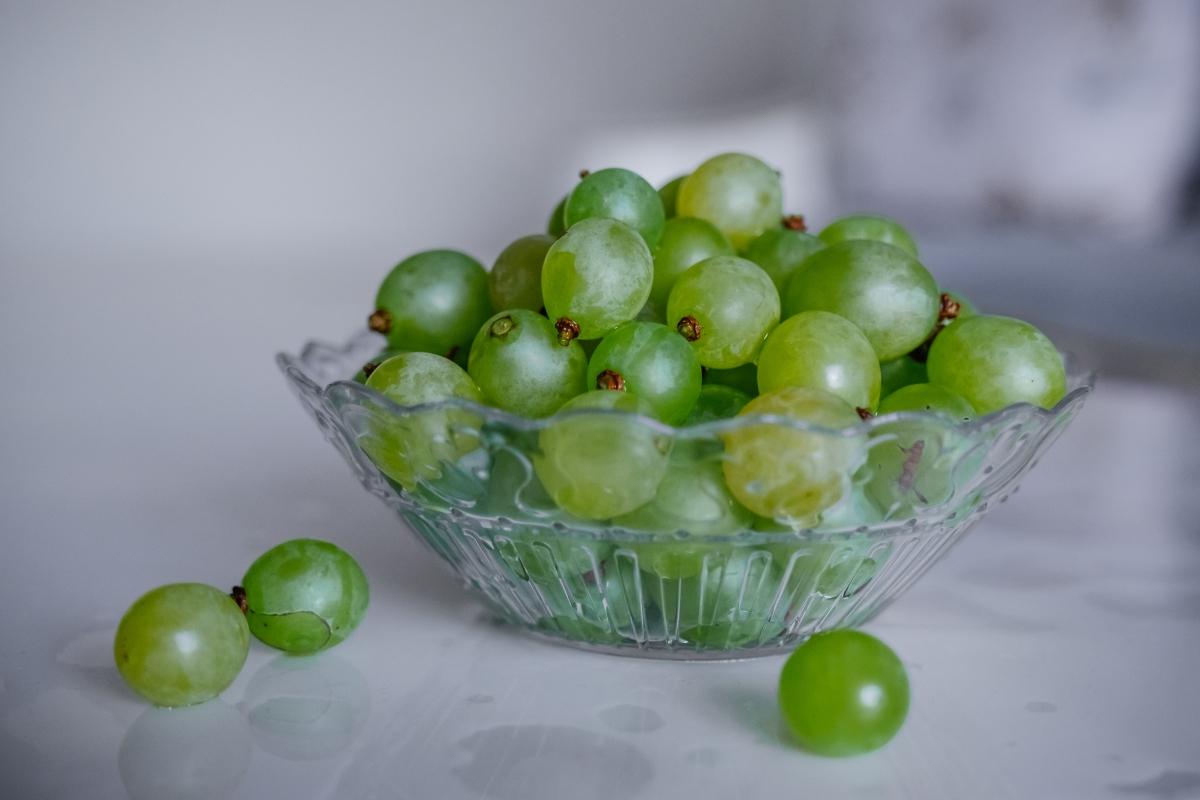 aceite semilla de uva contorno de ojos