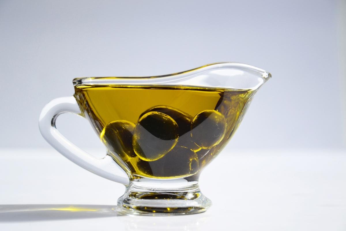 aceite de oliva contorno de ojos